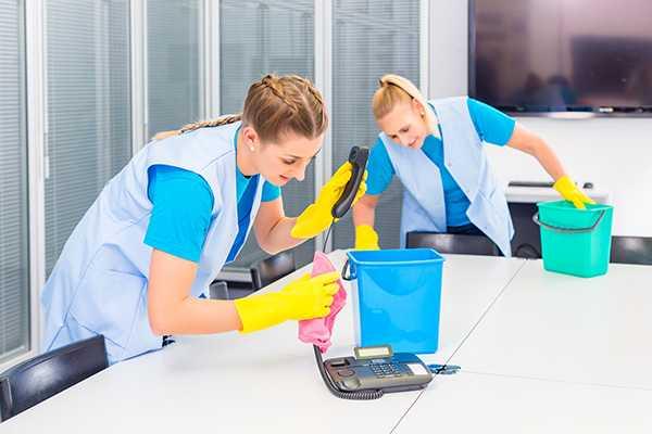 TOP WORK uslugi sprzatajace, czyszczenie posadzek, sprzatanie biur i biurowcow, pranie wykladzin